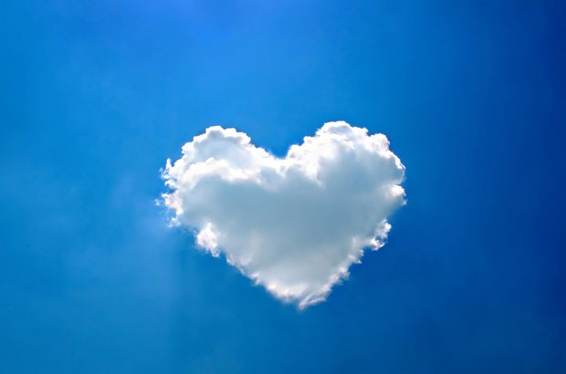 Image of a heart shaped cloud.